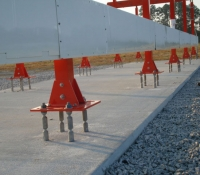 Pole-Safe® Frangible Fuse Bolts